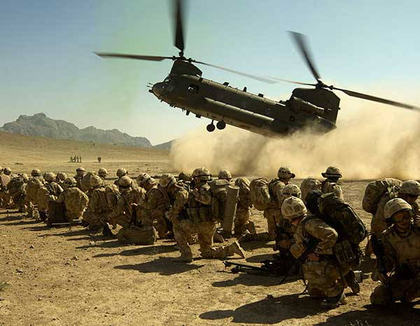 Chinook Lands with Royalm Marines Onboard in Afghanistan