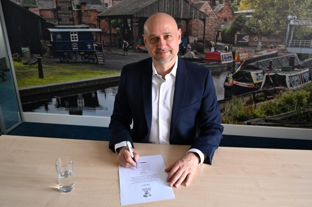 Superfast IT sign the Armed Forces Covenant